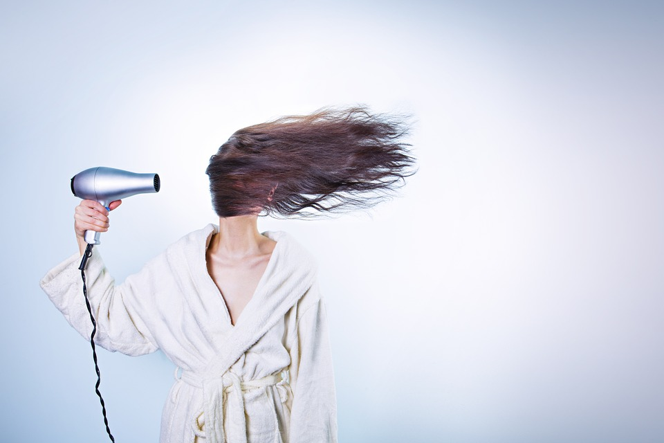 4 Things You must Know When Using A Blow Dryer On Your Hair